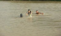 Nữ sinh lao xuống sông cứu bạn, 3 em chết đuối