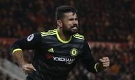 Costa đưa Chelsea lên đỉnh Ngoại hạng Anh