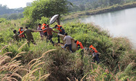 Lại phát hiện thi thể nam sinh viên dưới hồ đá