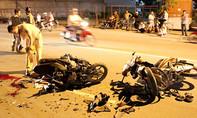 Xe máy tông trực diện, 3 người nằm thoi thóp bên vũng máu