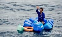 May mắn sống sót sau 4 ngày trôi dạt trên biển