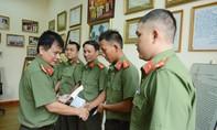 Báo CATP tặng 5 nhà tình thương cho các chiến sĩ an ninh có hoàn cảnh khó khăn
