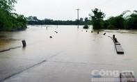 Mưa lớn gây ngập lụt nhiều nơi, 1 người tử vong