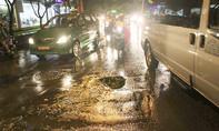 'Hố tử thần' trên đường vào sân bay Tân Sơn Nhất
