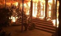 Cháy lớn ở chùa Tĩnh Lâu vào lúc nửa đêm