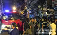 """Cháy nhà dân tại """"phố tây"""" nhiều người hốt hoảng"""