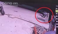 TP.HCM: Yêu cầu xử lý nghiêm vụ 'Chạy đón xe buýt, một người lọt hố ga tử vong'