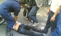 """Công nhân vệ sinh bắt cướp, """"nhặt"""" lựu đạn giữa Sài Gòn"""