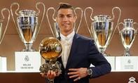 Ronaldo lần thứ tư giành Quả bóng vàng