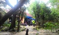 Hàng chục cảnh sát bắt sòng bạc trong ngôi nhà hoang