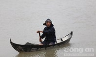 Lũ rút chậm, Bình Định vẫn ngập trong biển nước