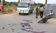 Tông đuôi xe tải, 2 người tử vong
