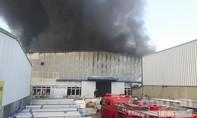 Cháy lớn tại khu công nghiệp Ngọc Hồi
