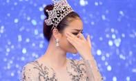 Hoa hậu Phạm Hương rơi nước mắt nhớ lại hành trình dự thi Miss Universe