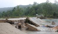 Số người chết do mưa lũ không ngừng tăng lên