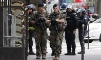 Bắt cóc con tin ở Paris, nghi can tẩu thoát
