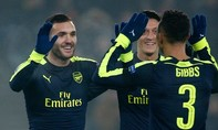 Perez lập hat-trick, Arsenal đè bẹp Basel