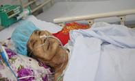 Té ngã tại nhà, Mẹ Việt Nam anh hùng 100 tuổi nhập viện cấp cứu