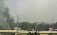 Xe 45 chỗ bất ngờ bốc cháy, nhiều hành khách thoát nạn