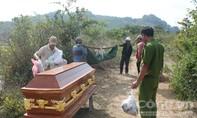Người dân hốt hoảng phát hiện thi thể thanh niên chết trên đồi thông.