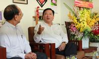 Bí thư Thành ủy TP.HCM lắng nghe GS Trần Đông A 'hiến kế' giảm tải bệnh viện