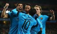 Messi đè bẹp 'Pháo thủ' tại Emirates