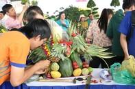 Hút hồn với mâm ngũ quả ở Chợ hoa Xuân Quận 12