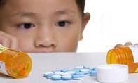 Bị la mắng vì mê chơi game, bé trai uống thuốc chống động kinh tự tử