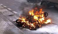 Công an quận 2 TP.HCM tìm chủ sở hữu xe trong vụ 'cháy xe chưa rõ nguyên nhân'