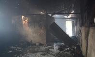 Cháy bãi phế liệu, 1 ngôi nhà cấp 4 bị thiêu rụi