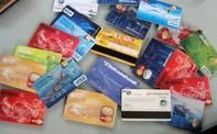 Khách ngoại dùng thẻ tín dụng giả mua hàng hiệu cả trăm triệu đồng