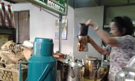 Bán cà phê vợt 50 năm nuôi 5 con học Đại học