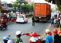 Thai phụ mang thai tháng thứ 3 bị xe container cán tử vong