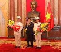 Chủ tịch nước trao quyết định thăng cấp bậc hàm Thượng tướng cho lãnh đạo Bộ công an