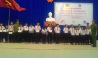 Trao học bổng cho học sinh nghèo hiếu học tại thị xã La Gi