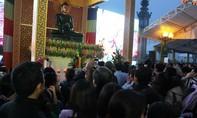 Trưng bày tượng Phật ngọc hòa bình thế giới trên ngôi cổ tự 715 tuổi