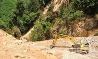 Phá rừng phòng hộ, thủy điện 2.300 tỷ đồng phải tạm dừng thi công