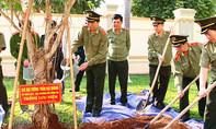 Bộ trưởng Trần Đại Quang thăm Tiểu đoàn CSCĐ số 2