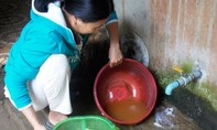 Nhiều hộ dân phải dùng nước nhiễm phèn, mặn
