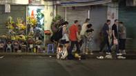 Giả bại liệt, nam thanh niên xin tiền triệu tại trung tâm TP.HCM