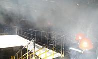 Cháy nhà xưởng, công nhân hoảng loạn bỏ chạy