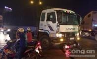 Cán chết người, tài xế xe tải bị người dân đuổi đánh