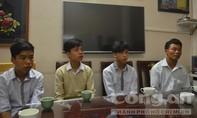 Ba học sinh đái bậy trong lớp bị đuổi học 6 tháng