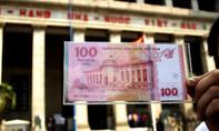 Người dân TP.HCM háo hức đi mua tiền lưu niệm 100 đồng