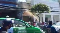 Sợ cháy lan, hàng chục người trong toà nhà Eximland tháo chạy