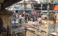 Băng đường ray mua thuốc lá bị tàu hỏa tông tử vong