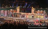 Khai mạc Festival Huế ấn tượng thu hút hàng vạn người