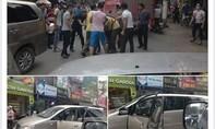 Lái xe Innova cố tình lao vào cảnh sát giao thông rồi bỏ chạy