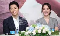Sao 'Hậu duệ mặt trời' - Song Hye Kyo xinh đẹp tại buổi họp báo