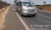 Xe máy đối đầu với xe khách 1 người tử vong